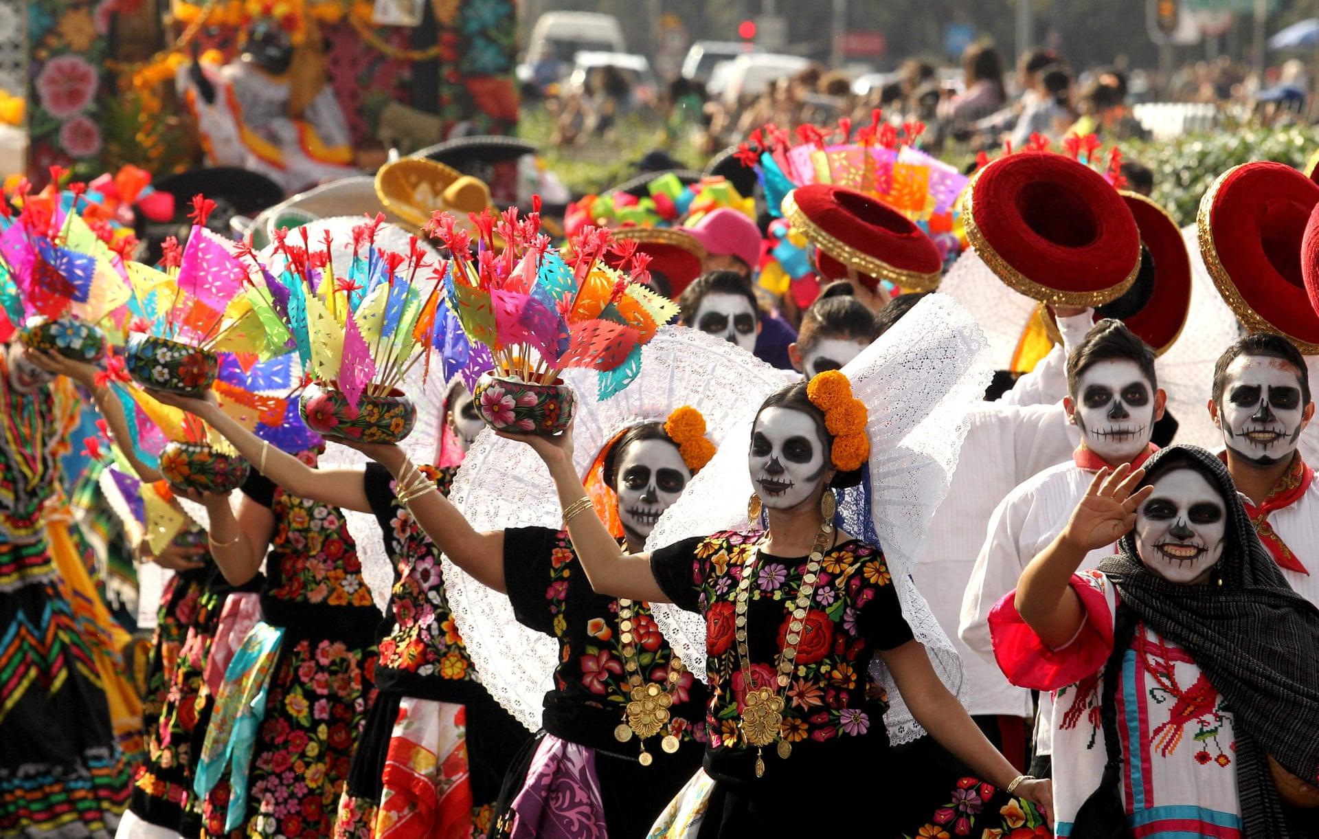 Desfile del día de los muertos en la CDMX una tradición